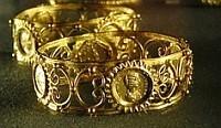 moedas cunhadas em jóias