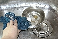 Como limpar moedas