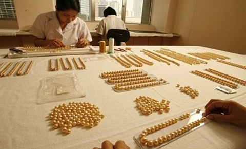 pérolas douradas