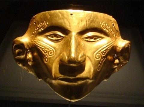 máscaras tribais em ouro