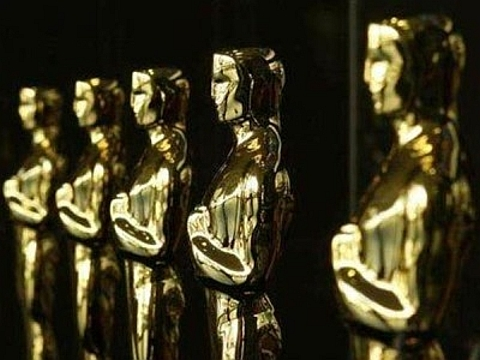 George Stanley esculpiu o primeiro troféu, que serviu de modelo para os que vieram depois desde a sua criação, a estatueta mantém sua forma original.