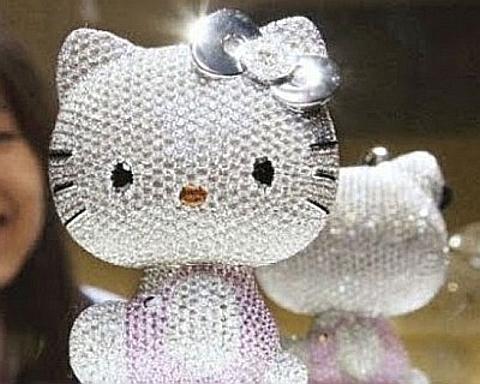 [Hello Kitty em diamantes]