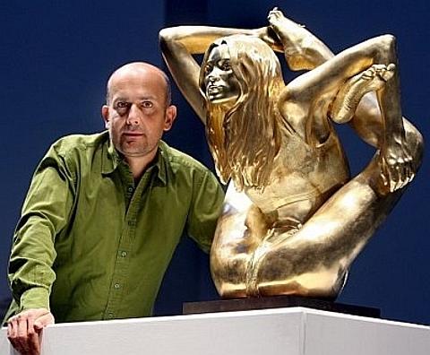 Estátua de ouro de Kate Moss