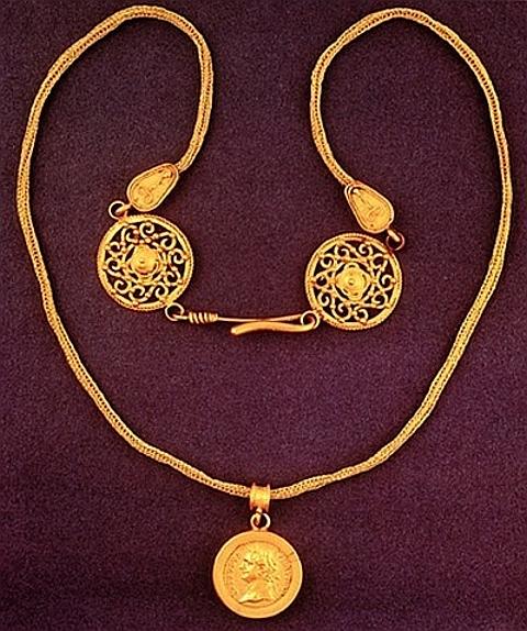 Colar cunhagem Egito, Final antecipada I-II d. C., Londres