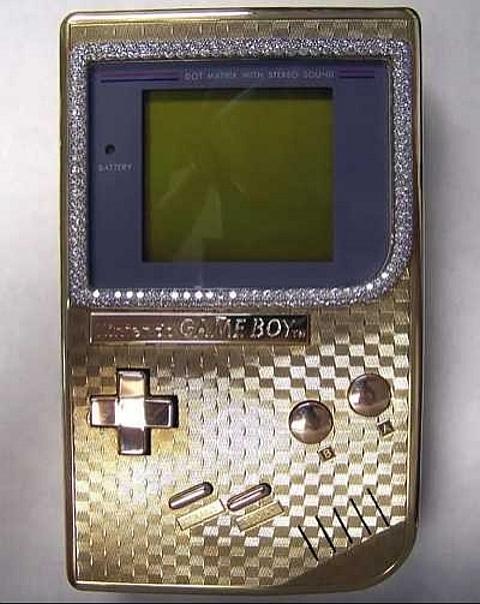[Game Boy em ouro]