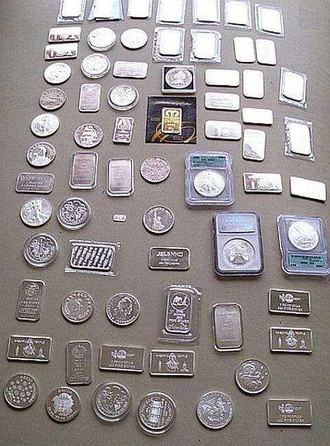 moedas e barras de prata