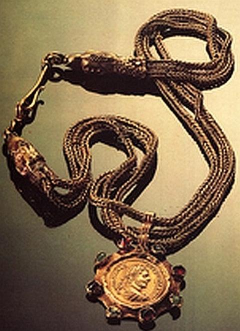 Colar de Moedas, do Tesouro de Nikolaevo (Bulgária), III sec. d. C., Sophia, Museu Nacional de Arqueologia.