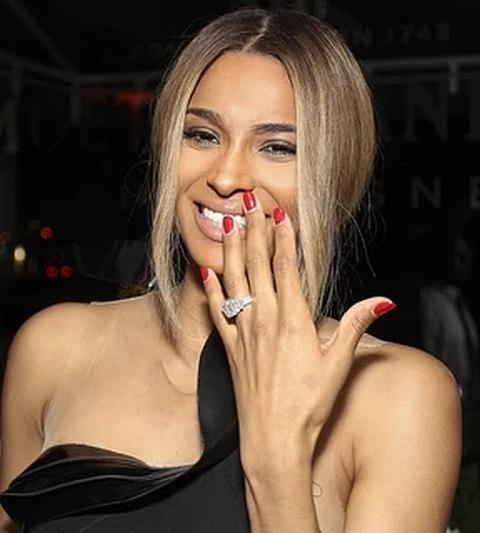 Anel de noivado Ciara