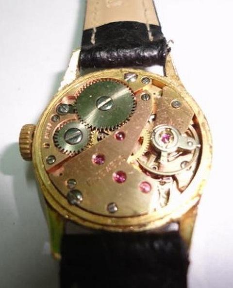 Relógio com Rubis