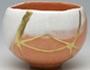 Kintsugi a arte de reparo de cerâmica com ouro